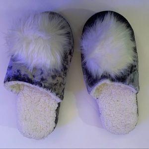 Blueish great crushed velvet slippers